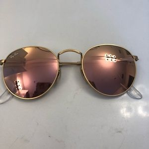 Rose Gold Round Ray Bans